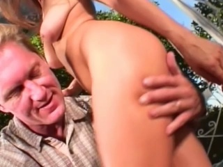 Threesome twat fucking outdoors with horny blonde whores