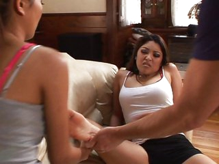 Two hotties let this pervert worship their feet