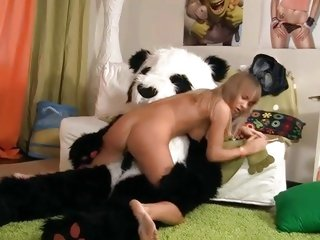 This kinky bitch slurps on this horny panda's prick