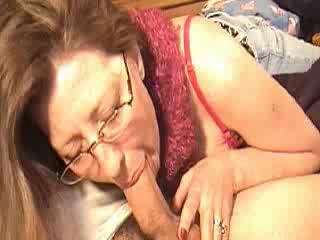 Mamma sucking cock for a bit of money