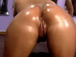 CURVY GIRLFRIEND GETS Screwed HER OILED SEXY ASS !!