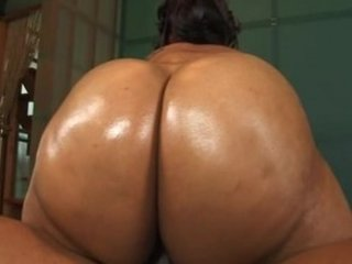 Bootylicious - Giant Wet Asses 4