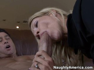 Cougar Emma Starr gives a stellar performance sucking a youthful cock