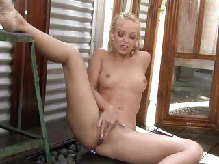 Blistering Jana Cova torments her wet pantie pot