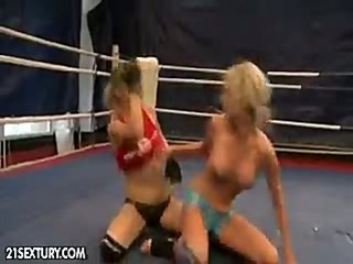 Laura Crystal and Michelle wrestle to get down to the pussy