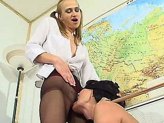 Rosalia&Florence videotaped during the time that pantyhosing