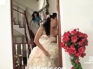 Charlotte&Ninon sexy lesbo clip