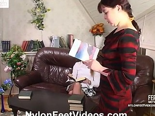 Nellie&Fidelia amazing nylon feet action