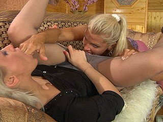 Susanna&Hannah wicked hose movie
