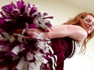 cheerleader beauty happily shows her body