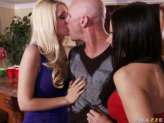 threesome with two sluts