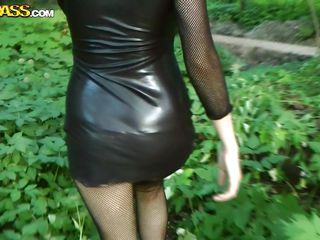 hot goth babe wants to suck a cock