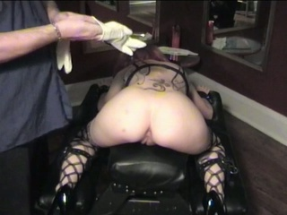 Spanking girls wanting more pain to bring for pleasure !